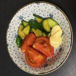 Twitterで話題のキュウリとニンニク、トマトのポン酢漬けの作り方